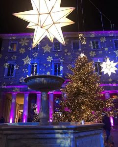 Le Marche's beautiful squares lit up at Christmas